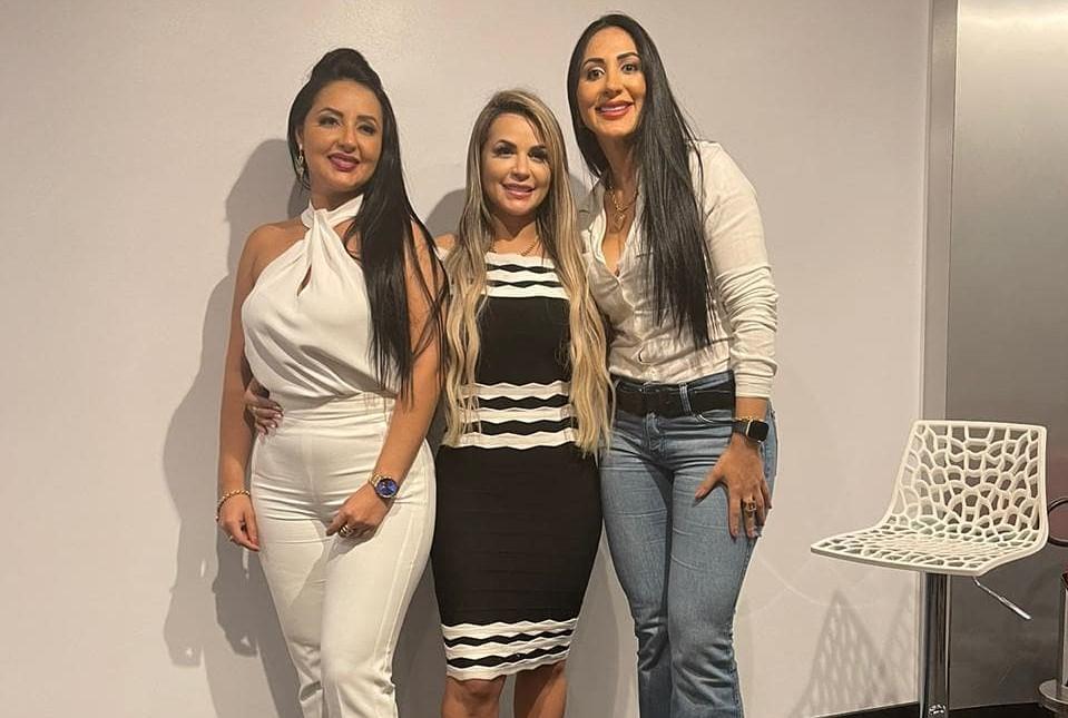 """Deolane, Daniele e Dayanne Bezerra estreia reality show """"As Doutoras"""""""