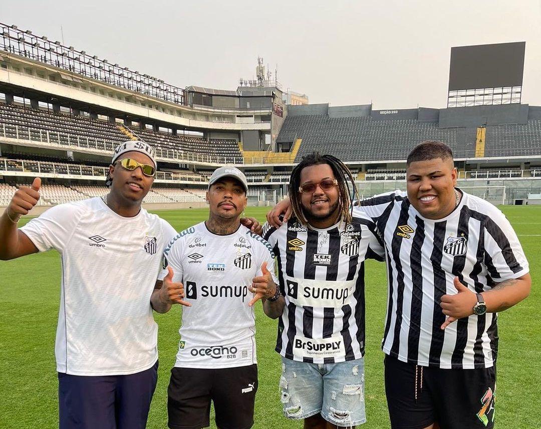 Marinho, do Santos, grava videoclipe de música feita por MC Kevin, Kayblack, MC GP e DJ Luan