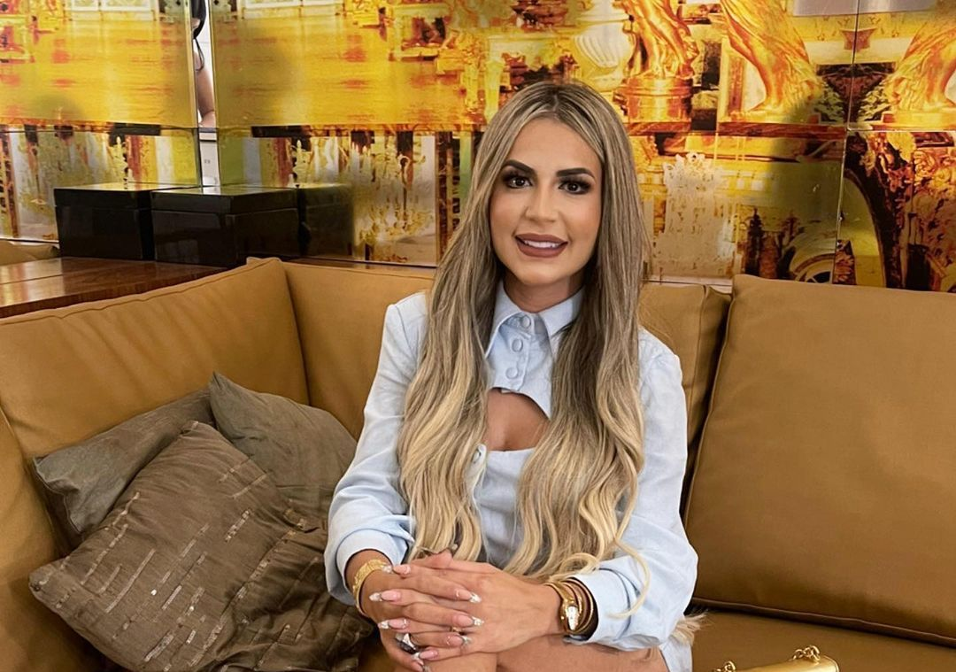 Deolane Bezerra diz que não vai cobrar dinheiro emprestado a MC Kevin e família