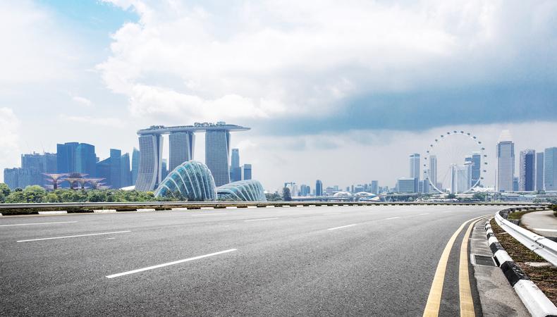 シンガポールで夢のドライブを体験!