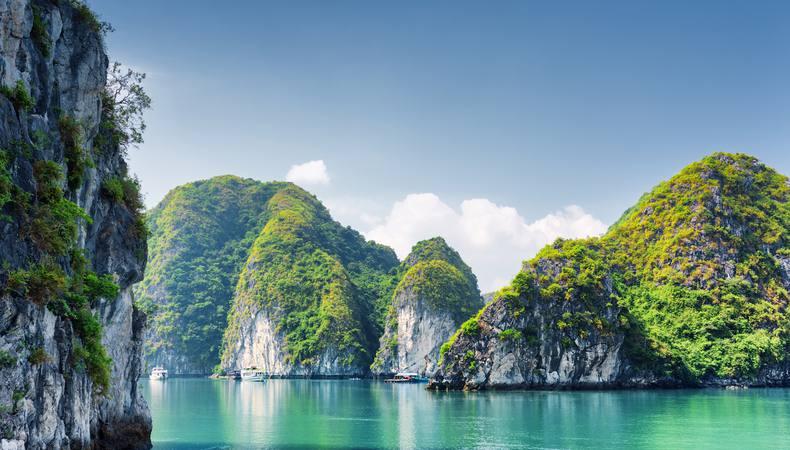 ベトナムの世界遺産、ハロン湾を日帰りで満喫する!
