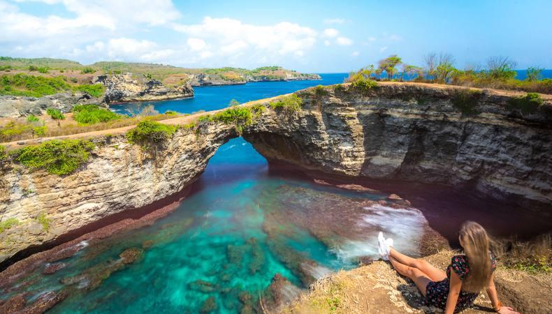 バリ島から船で行けるペニダ島の絶景!