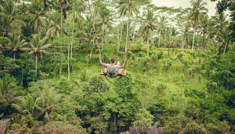 バリ島で話題!「バリスウィング」に乗りたい