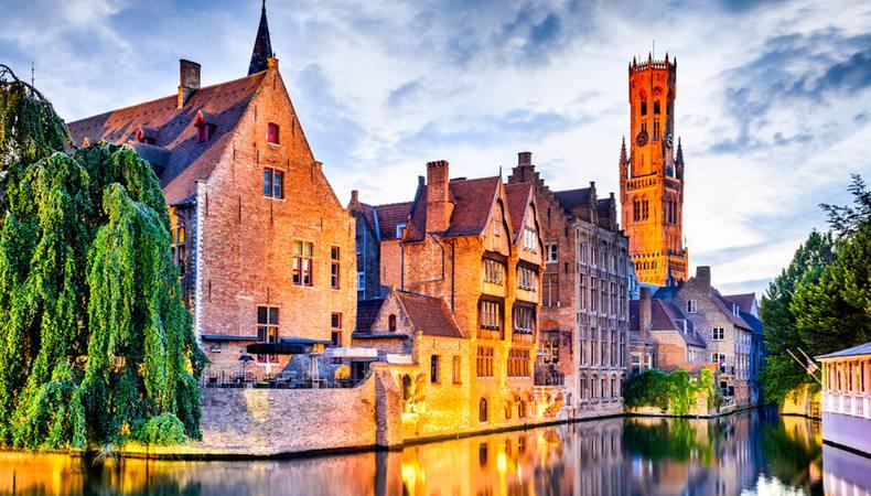 ベルギー 中世の面影そのままの水の都ブルージュ