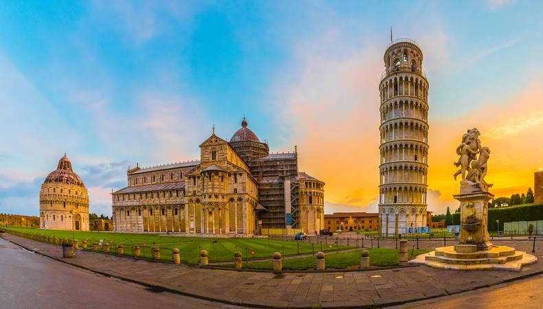 イタリアでピサの斜塔に登りたい