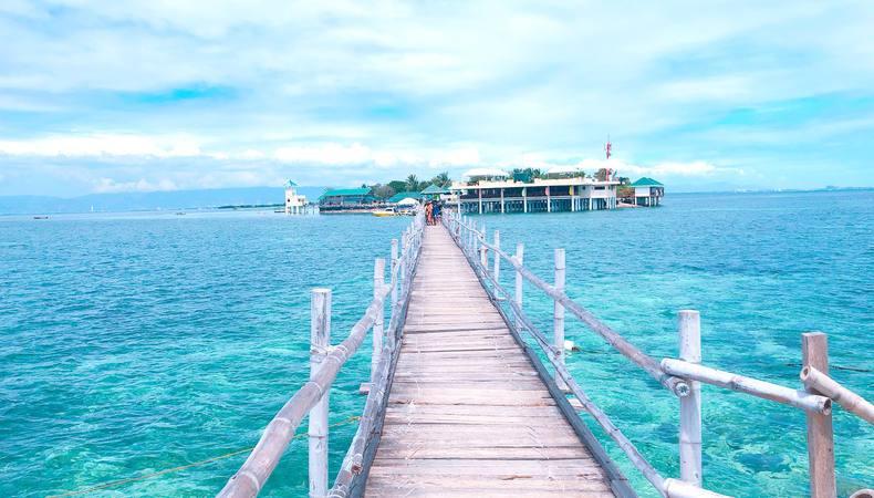 セブ島から近い!ヒルトゥガン島とナルスアン島できれいな海と長い桟橋を満喫