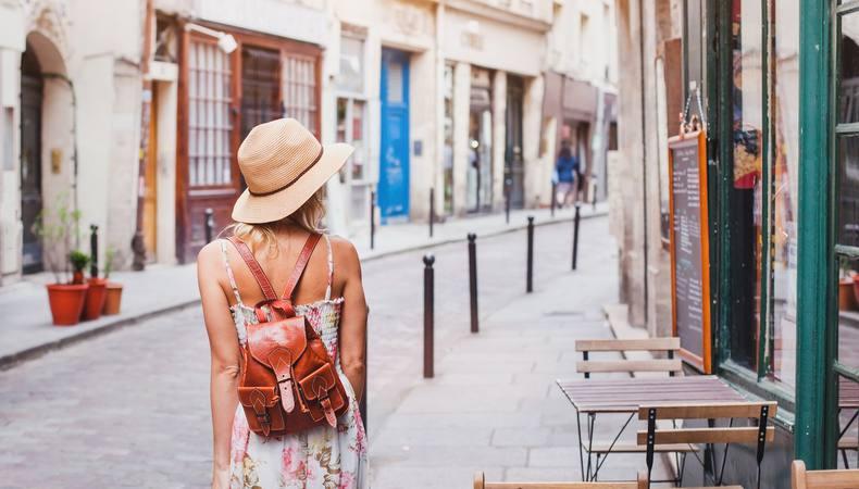 憧れのパリ、カルチェ・ラタンのマルシェで食べ歩き!