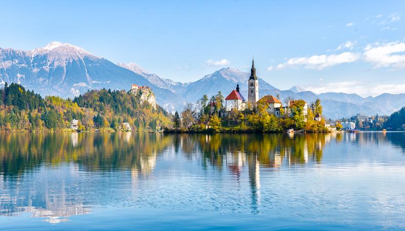 スロベニア 美しいブレッド湖と名物のクリームケーキを堪能!