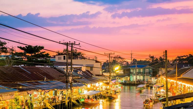 バンコクの夜  水上マーケットを体験!