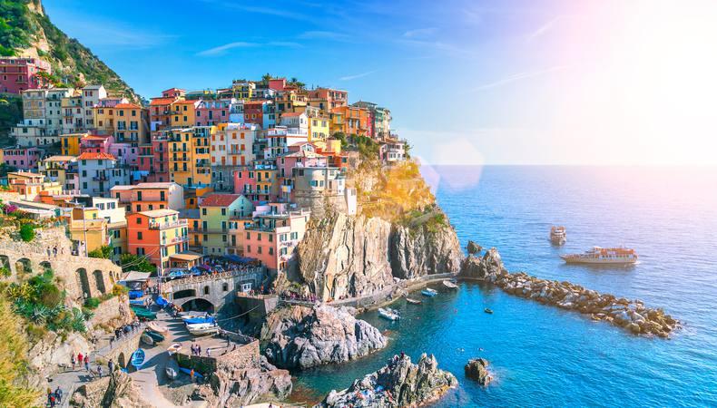 フィレンツェから彩り豊かな世界遺産チンクエ・テッレへ