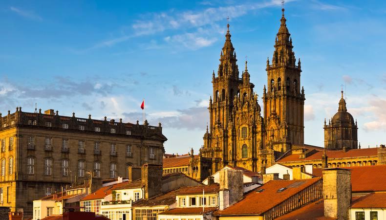 ポルトガルのポルトからスペインのサンティアゴ・デ・コンポステーラへ