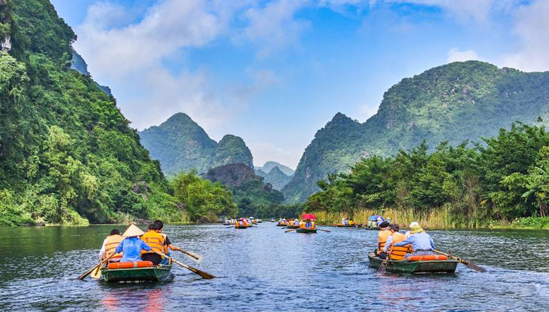 ベトナムに行ったらタムコックの川下りがおすすめ!