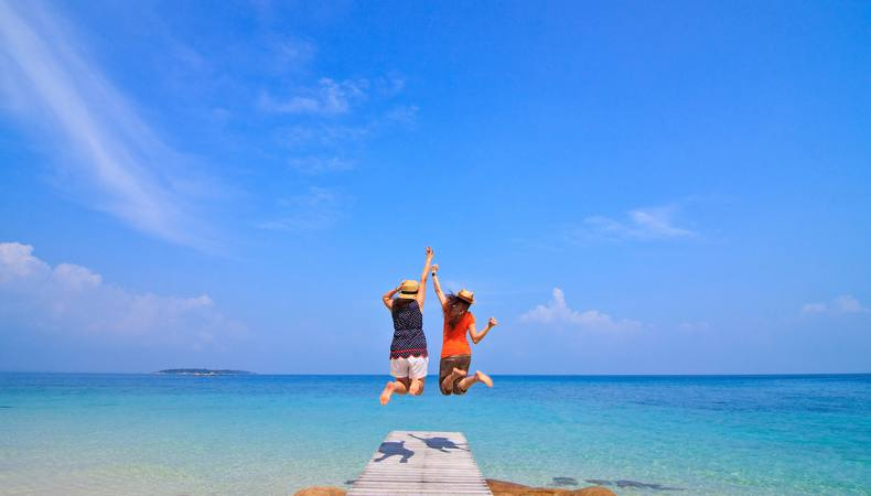卒業旅行はプーケットのコーラル島でダイビングに挑戦!