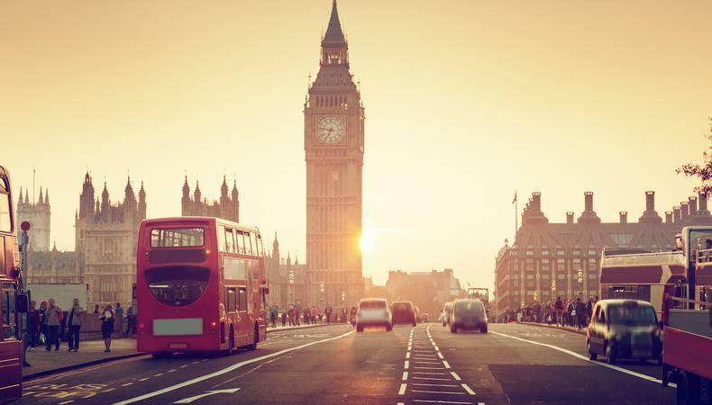 ロンドンで憧れのアフタヌーンティーを!