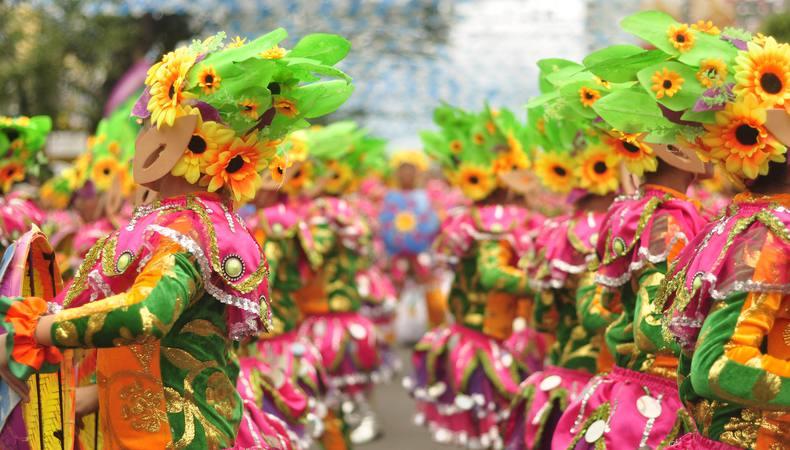 フィリピン最大のお祭り「シヌログ祭り」が熱い!