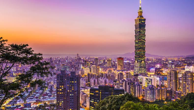 台湾にあるオレンジ色の新幹線に乗ってみたい!