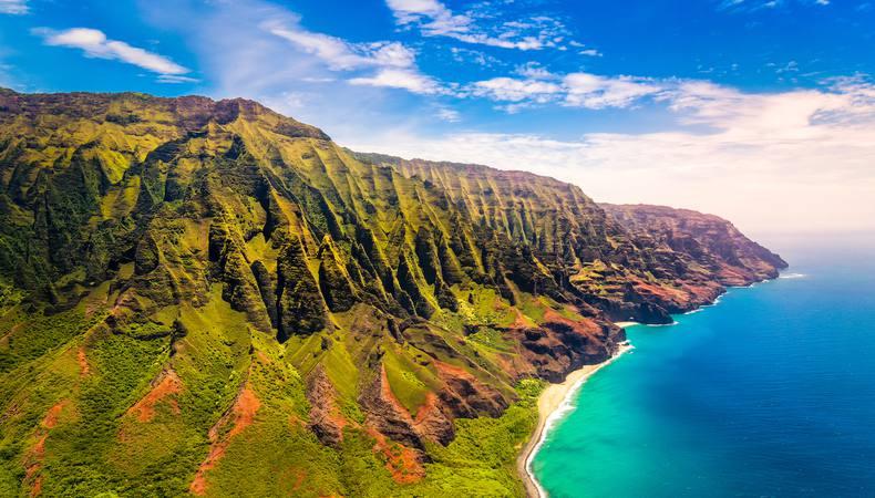 カウアイ島の絶景をヘリコプターから眺める究極の贅沢