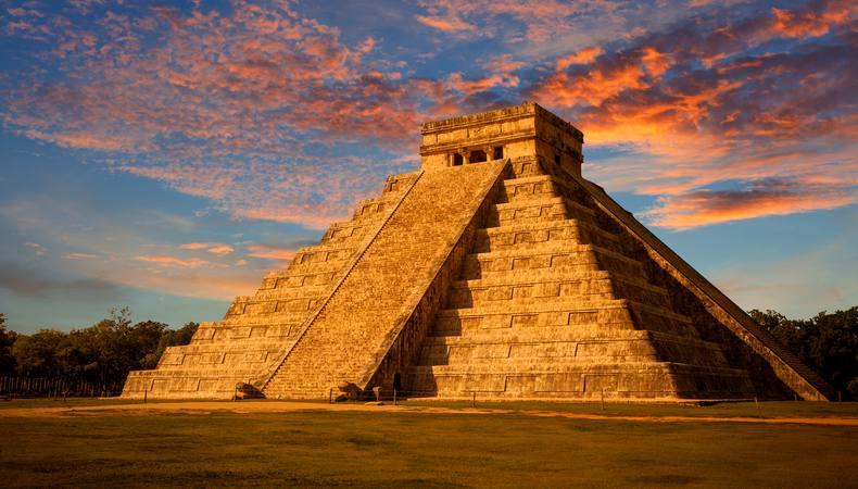 メキシコのチチェン・イッツァ遺跡でマヤ文明に触れる