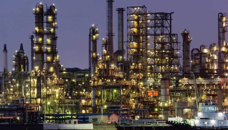 横浜発!別世界に来たような景色が広がる工場夜景