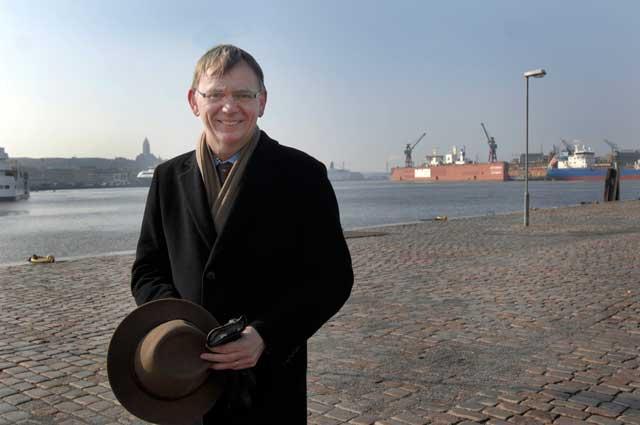Lars Bäckström vid inloppet till Göteborgs hamn