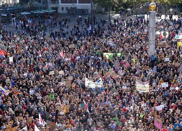 https://pixabay.com/sv/photos/protest-strejk-demonstration-4499802/