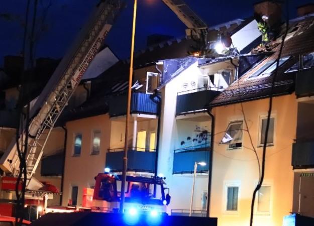 https://www.skaraborgsnyheter.se/skaraborgs-och-riksnyheter/fyra-till-sjukhus-efter-lagenhetsbrand-i-tidaholm/