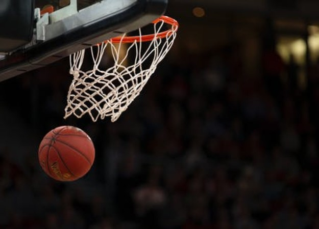 https://www.pexels.com/sv-se/foto/boll-basketboll-basketkorg-basketplan-1752757/