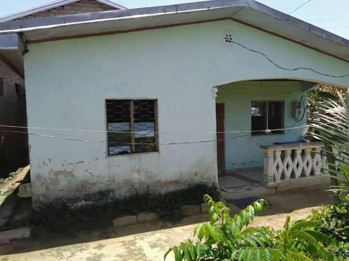 House (Villa) for sale - Douala, Yassa, Nkolbong - 1 living room(s), 2 bedroom(s), 1 bathroom(s) - 6 000 000 FCFA / month