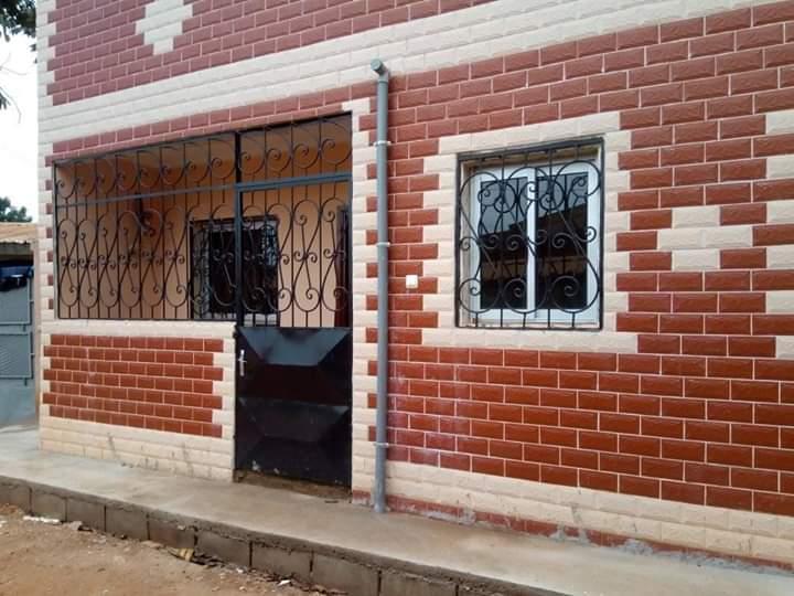 Appartement à louer - Yaoundé, Ngousso, Fougerolle - 1 salon(s), 2 chambre(s), 1 salle(s) de bains - 80 000 FCFA / mois