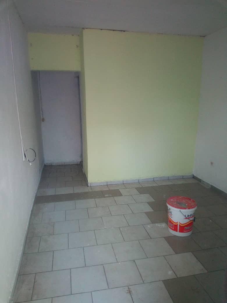 Studio to rent - Douala, Makepe, Derrière le lycée de MAKEPÈ - 20 000 FCFA / month