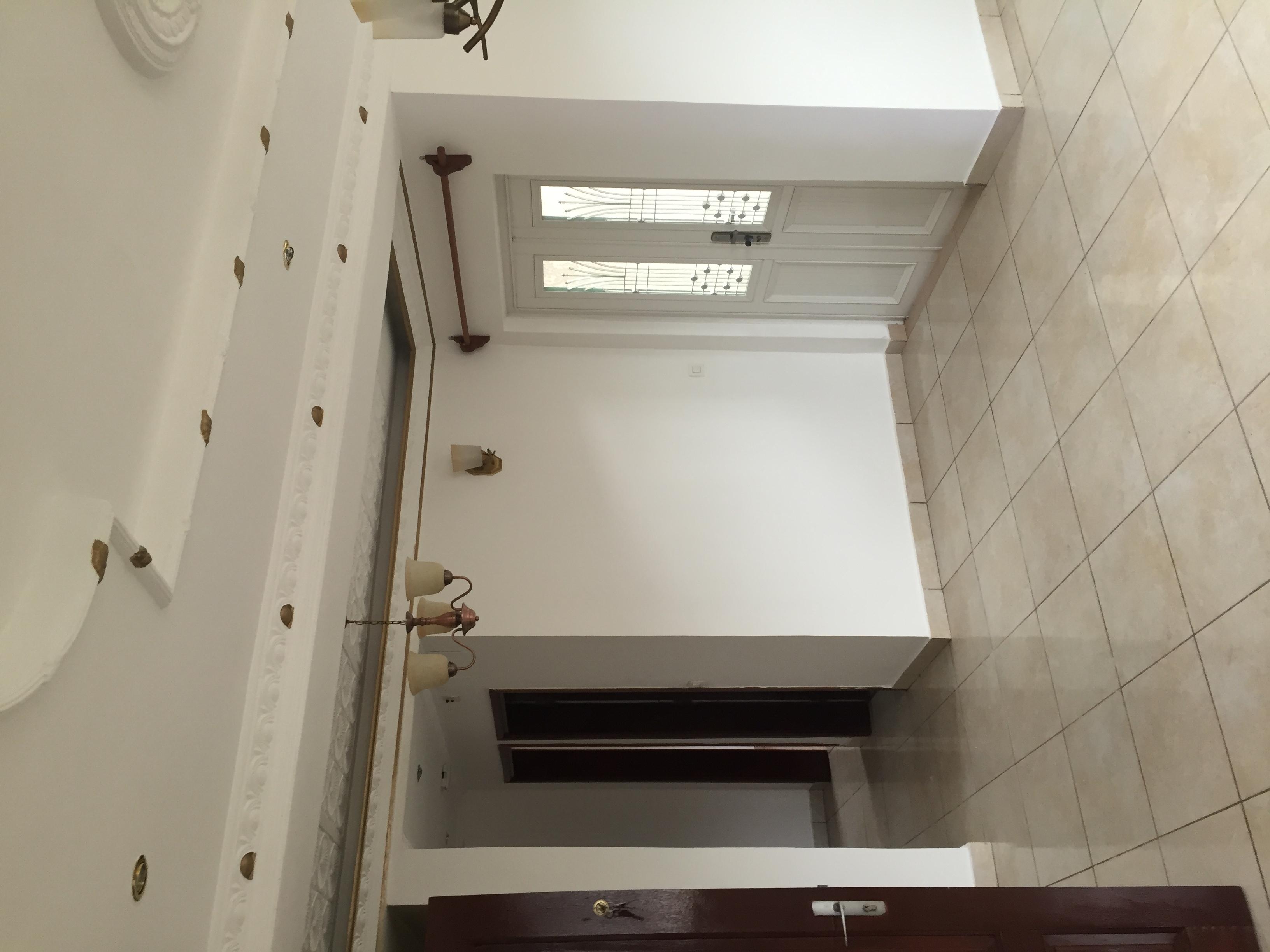 Appartement à louer - Yaoundé, Nsimeyong, Shell - 1 salon(s), 2 chambre(s), 1 salle(s) de bains - 200 000 FCFA / mois