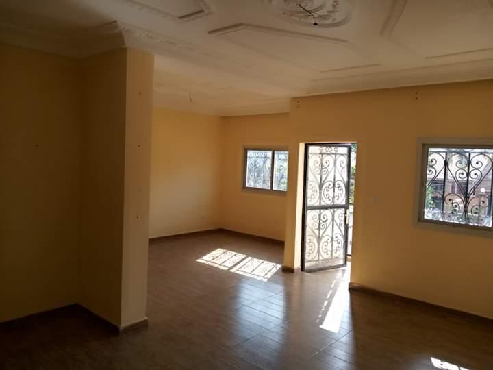 Appartement à louer - Yaoundé, Cité verte, Lycée - 1 salon(s), 2 chambre(s), 2 salle(s) de bains - 180 000 FCFA / mois