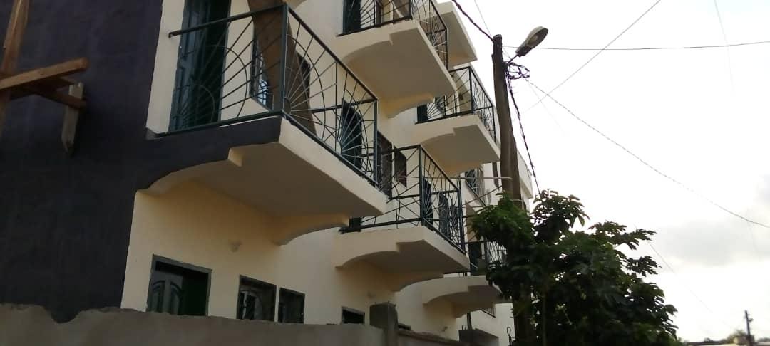 Studio to rent - Douala, Beedi, A 300  metres de la route a partir de l'eglise presbysterienne - 40 000 FCFA / month
