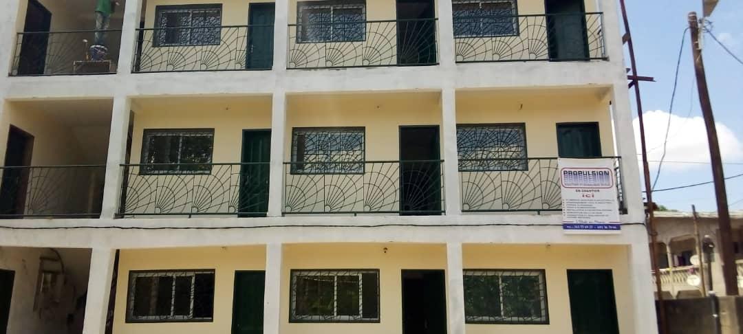 Studio to rent - Douala, Beedi, 300 metres de la route  derriere l'eglise presbysterienne - 40 000 FCFA / month