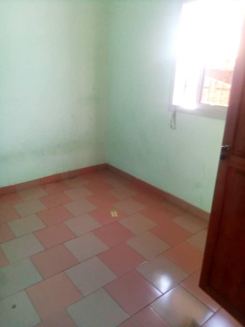 Apartment to rent - Douala, PK 11, Pk12 - 1 living room(s), 2 bedroom(s), 1 bathroom(s) - 70 000 FCFA / month