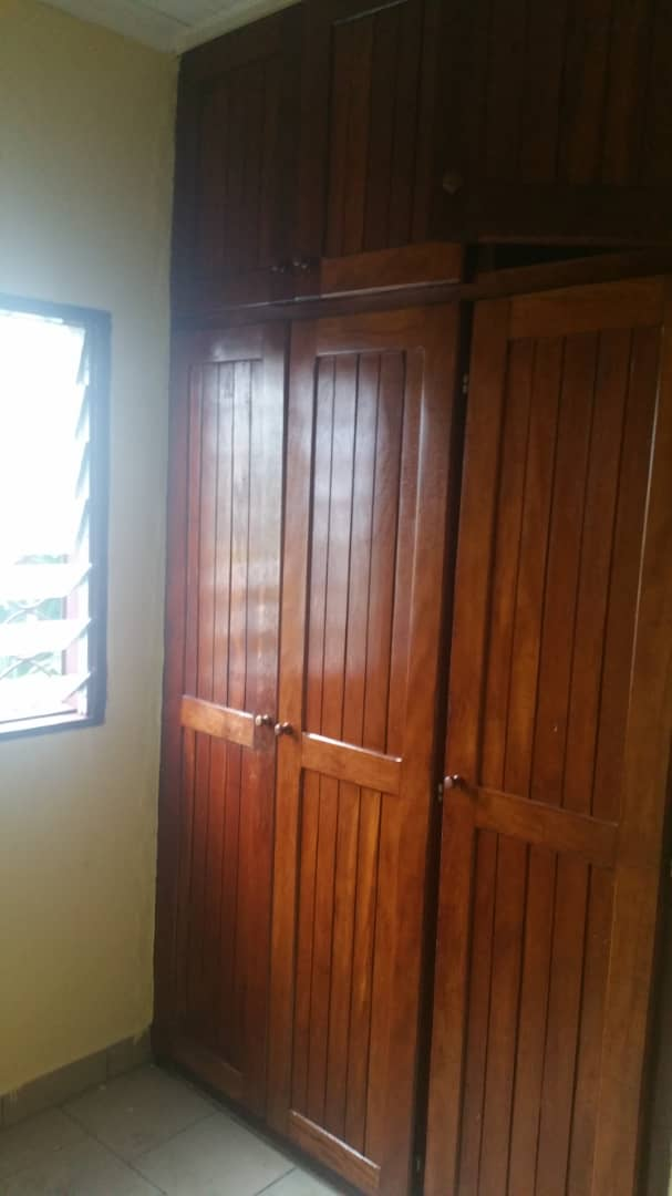 Apartment to rent - Douala, Makepe, Ver monde unis - 1 living room(s), 2 bedroom(s), 2 bathroom(s) - 130 000 FCFA / month
