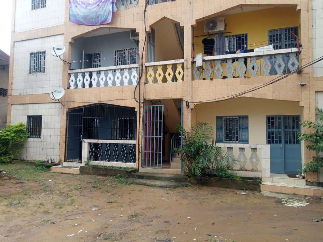 Apartment to rent - Douala, Kotto, Ver Neptune - 1 living room(s), 1 bedroom(s), 1 bathroom(s) - 70 000 FCFA / month