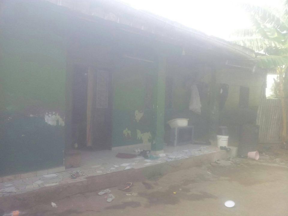 House (Villa) for sale - Douala, Logbaba, au stade - 1 living room(s), 3 bedroom(s), 2 bathroom(s) - 13 000 000 FCFA / month