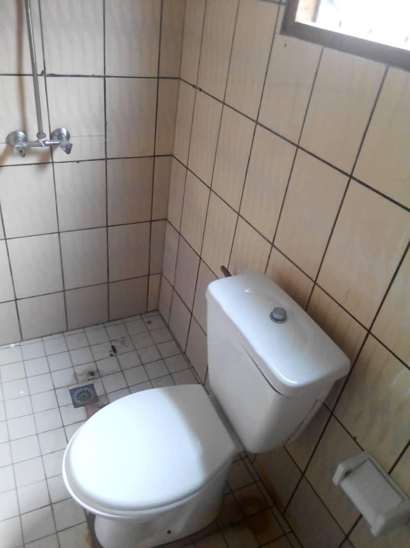 Chambre à louer - Douala, Akwa II, Ver Akwa nord - 50 000 FCFA / mois