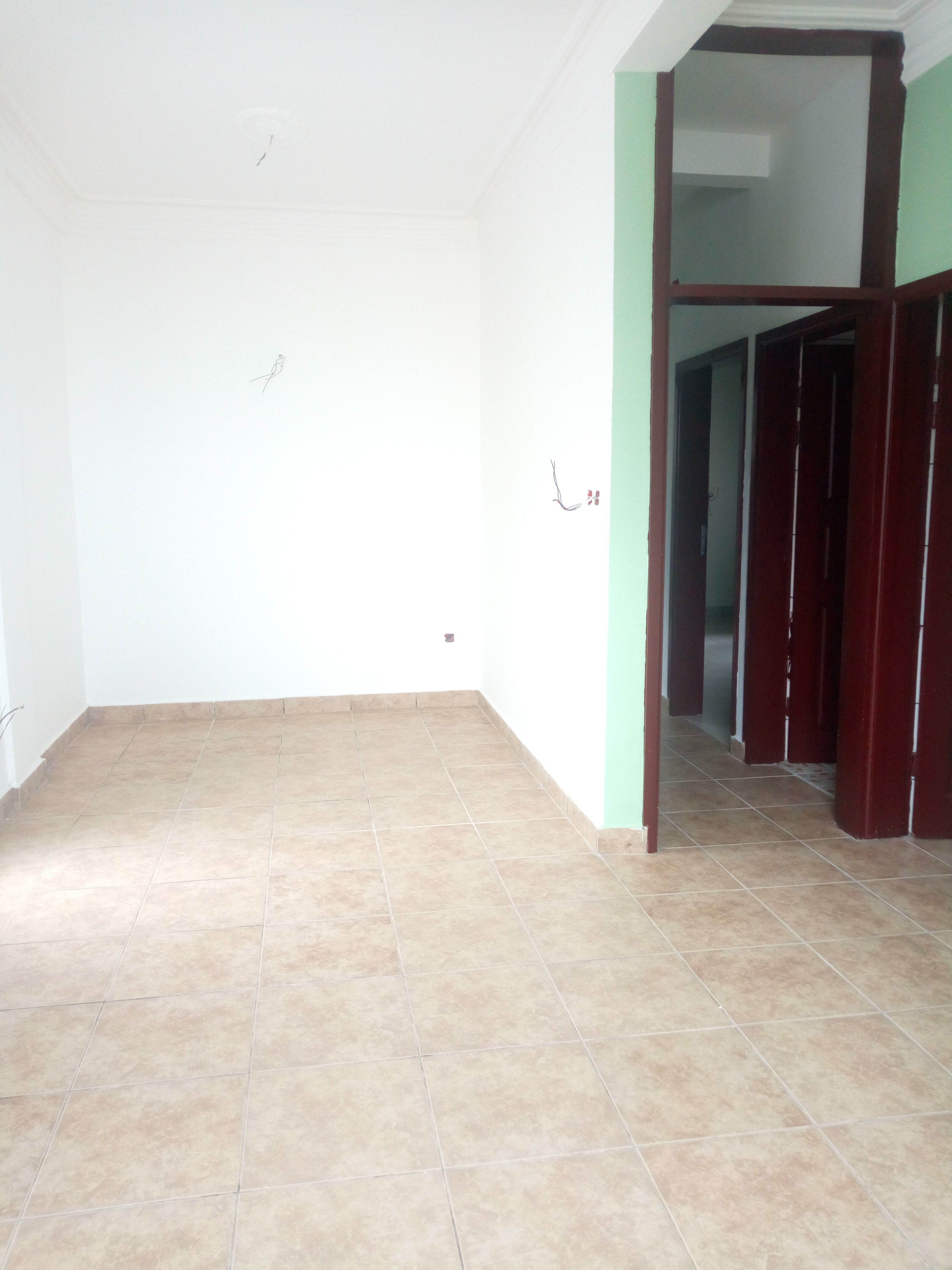 Appartement à louer - Douala, Bonamoussadi, Santa babara - 1 salon(s), 2 chambre(s), 2 salle(s) de bains - 130 000 FCFA / mois