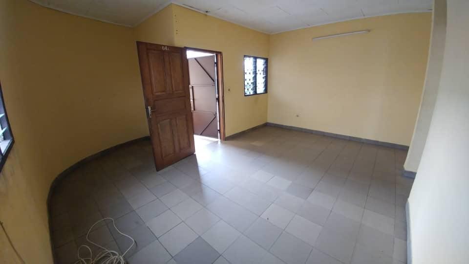 Appartement à louer - Douala, Makepe, Ver monde unis - 1 salon(s), 2 chambre(s), 2 salle(s) de bains - 100 000 FCFA / mois