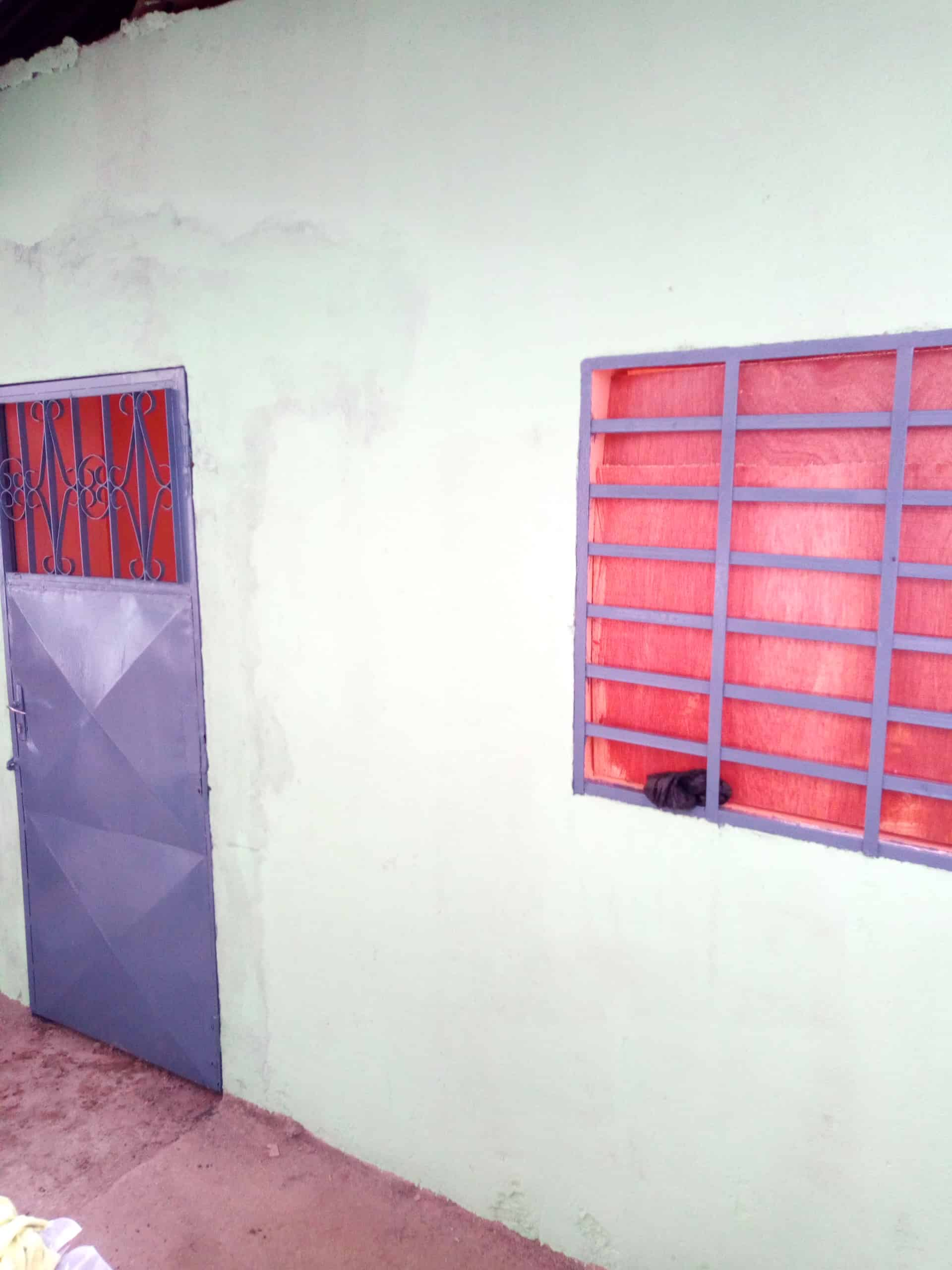 Warehouse to rent at Douala, Makepe, Bloc M - 25 m2 - 50 000 FCFA