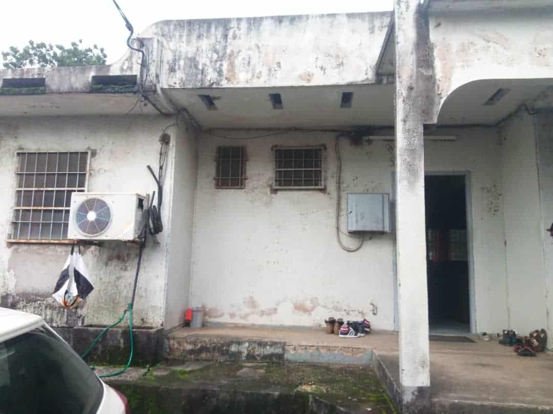 Maison (Villa) à vendre - Douala, Bonamoussadi,  - 1 salon(s), 4 chambre(s), 3 salle(s) de bains - 60 000 000 FCFA