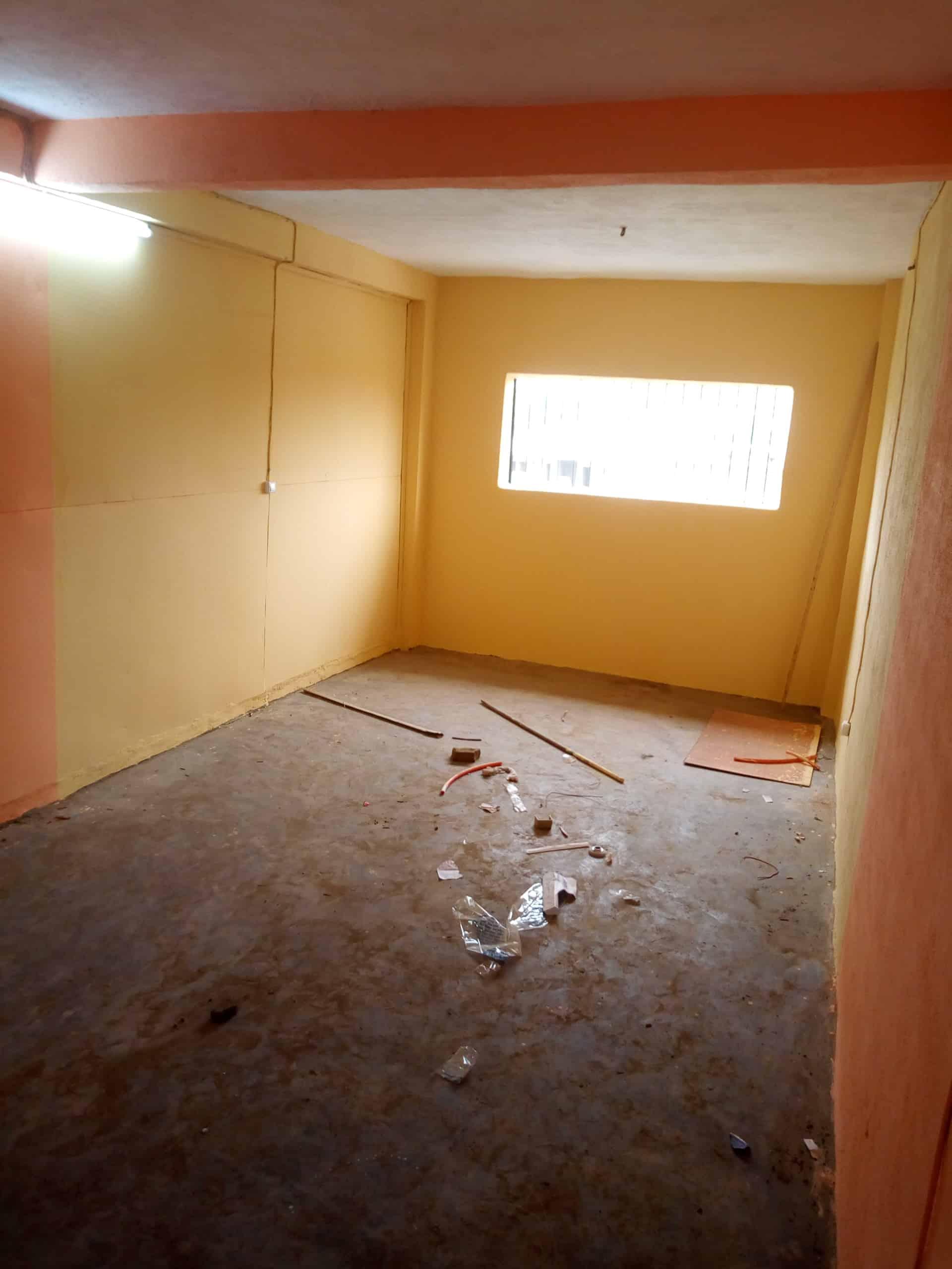 Studio to rent - Douala, Makepe, Bloc - 35 000 FCFA / month