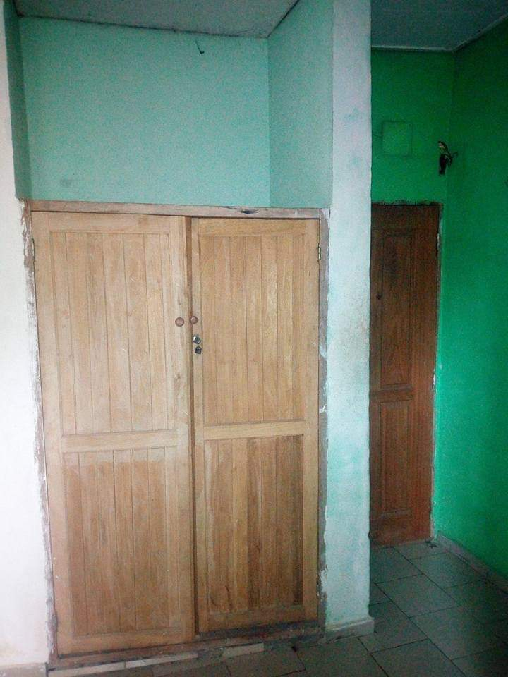 Studio to rent - Douala, Makepe, Derrière l'Université de l'entrepreneuriat après la total cour suprême makepè. - 25 000 FCFA / month