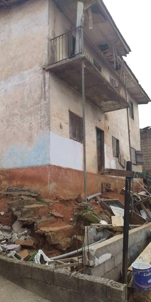 House (Villa) for sale - Yaoundé, Emombo, maison à vendre à Yaoundé emombo - 1 living room(s), 4 bedroom(s), 3 bathroom(s) - 35 000 000 FCFA / month