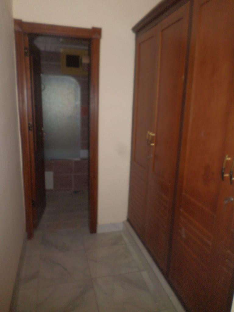 Appartement à louer - Yaoundé, Bastos, dragage - 1 salon(s), 3 chambre(s), 4 salle(s) de bains - 1 200 000 FCFA / mois