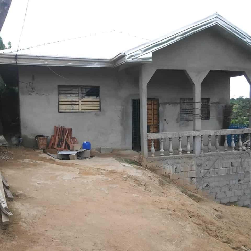 Maison (Villa) à vendre - Douala, Lendi, avant lma maison blanche - 1 salon(s), 3 chambre(s), 2 salle(s) de bains - 12 000 000 FCFA