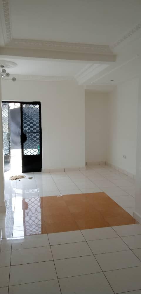 House (Villa) to rent - Douala, Logpom, Après andem - 1 living room(s), 3 bedroom(s), 3 bathroom(s) - 250 000 FCFA / month