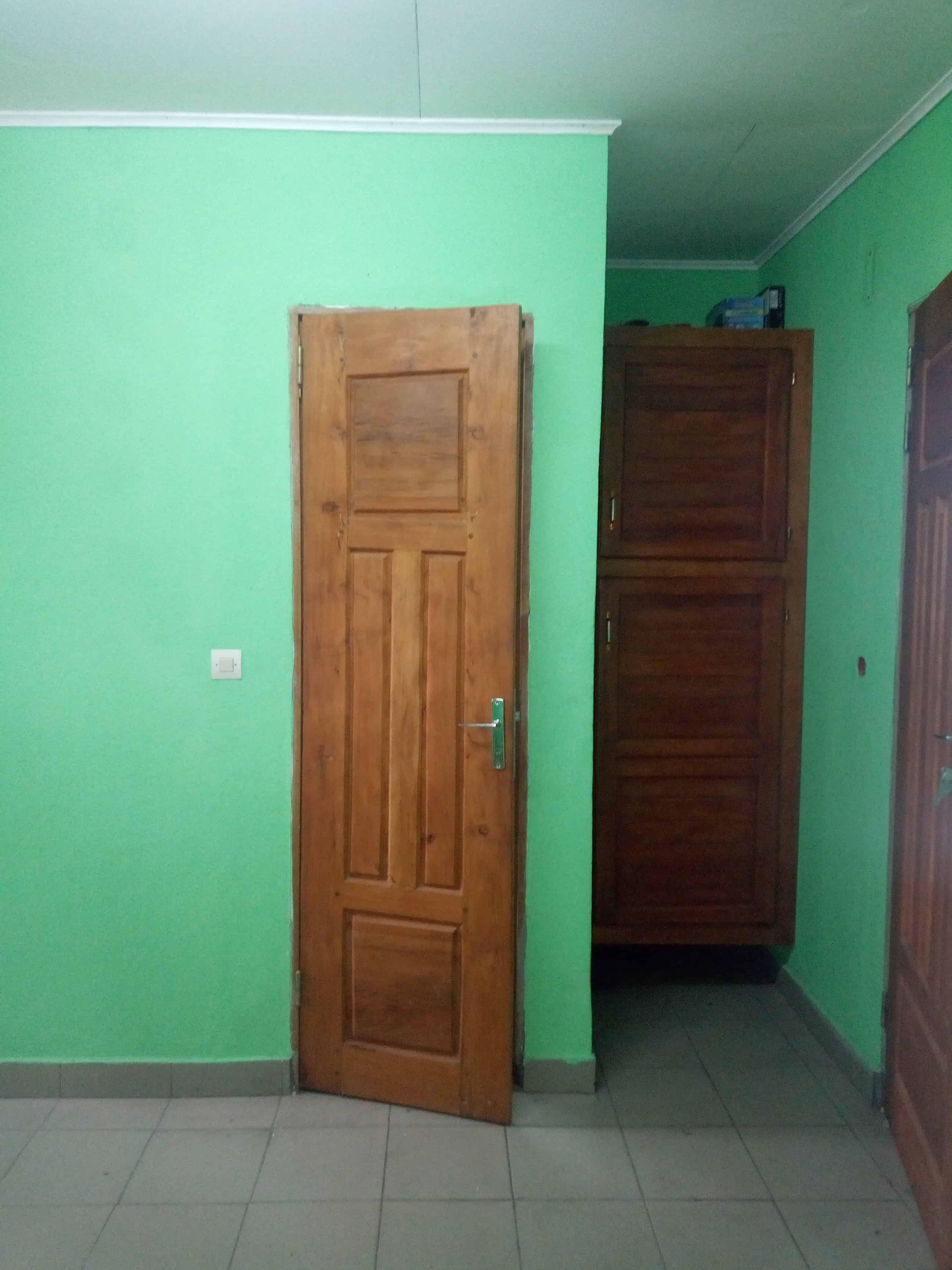Studio to rent - Douala, Makepe, Rond pauleng - 35 000 FCFA / month